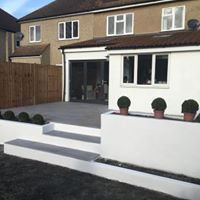 Raised porcelain patio in Chelmsford, Essex